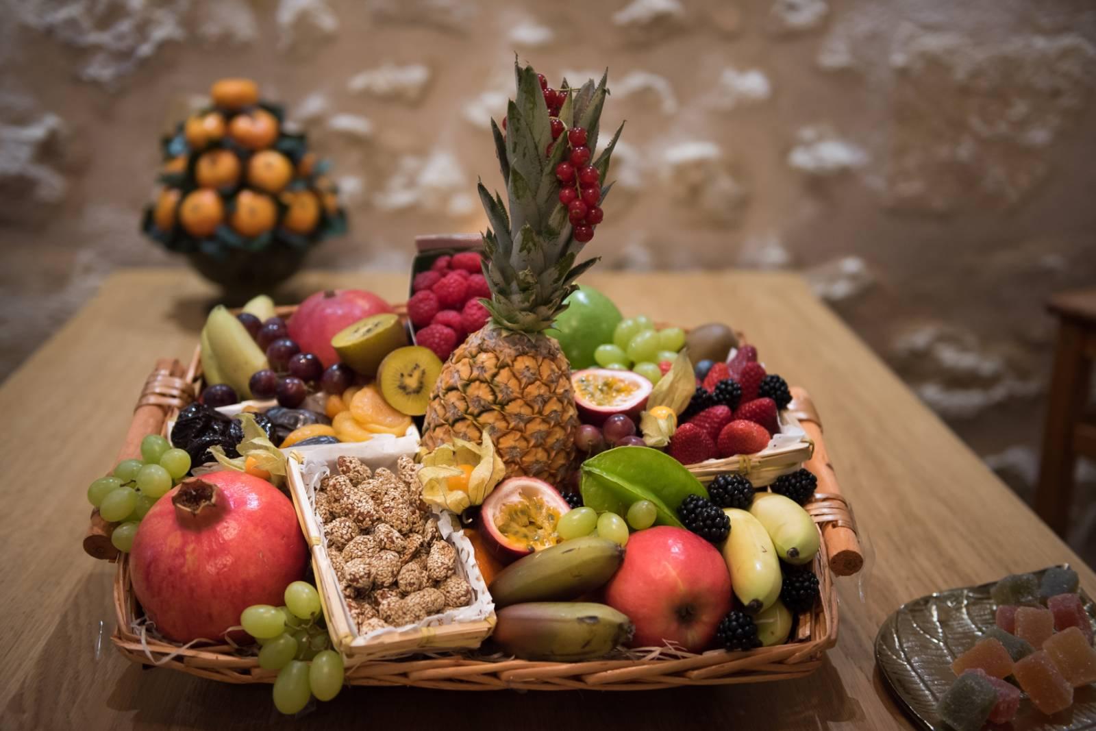 Offrir une corbeille de fruits à Bordeaux - Au Temps des ...